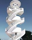 Ghé thăm ''cầu thang xoắn trắng'' đẹp tựa nấc thang lên thiên đường