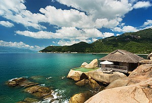 Sixsense Ninh Van Bay