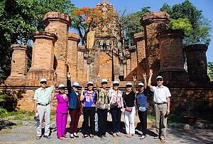 Chương Trình Khuyến Mãi Tháng 10 / 2015: Tp HCM - Nha Trang -Vinpearl Land - 4 Đảo Bao Vé Máy Bay