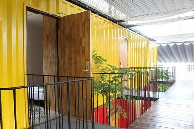 Cận Cảnh Ccasa Hostel - Khách Sạn Container Đầu Tiên ở Nha Trang