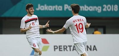 Tại sao trên áo cầu thủ Syria không có tên sau lưng?
