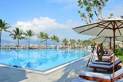 Tháng 7 biển vẫy gọi những điểm đến đẹp như mơ tại Nha Trang