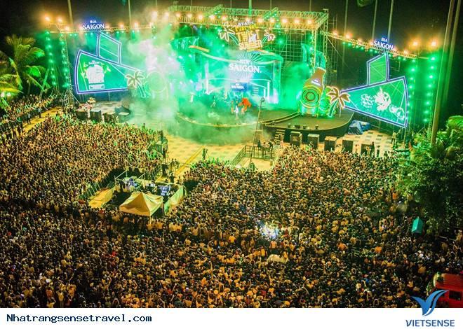 Beach Festival Twist all Summer - Đại Nhạc Hội Bãi Biển Dịp Cuối Tuần