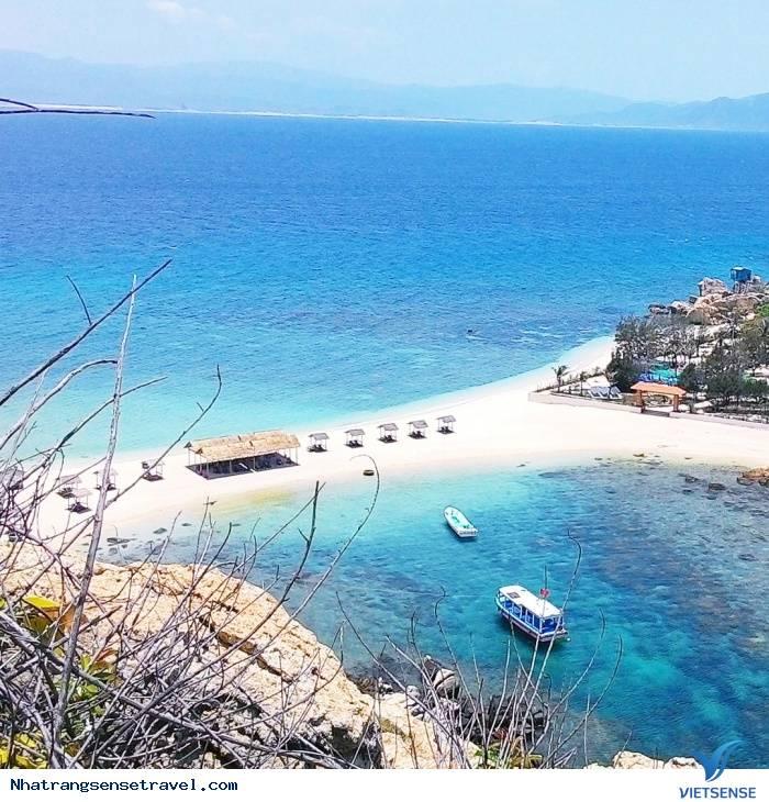 Hòn Nội Đảo Yên - Đẹp Ấn Tượng Với Bãi Tắm Đôi